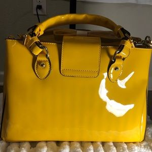 Gianni Bini Bags - Patent leather handbag